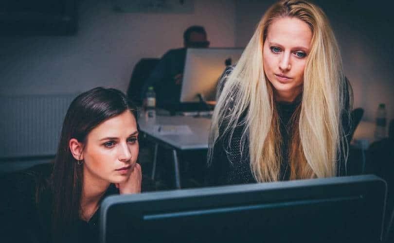 Mulheres no gerenciamento de loja online